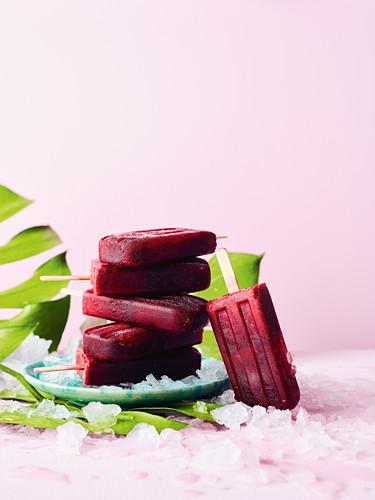 Cherry and cola ice pops