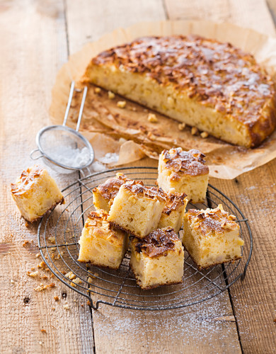 Apple blondies with white chocolate