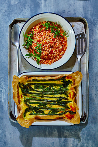 Asparagus and giant couscous with tomatoes