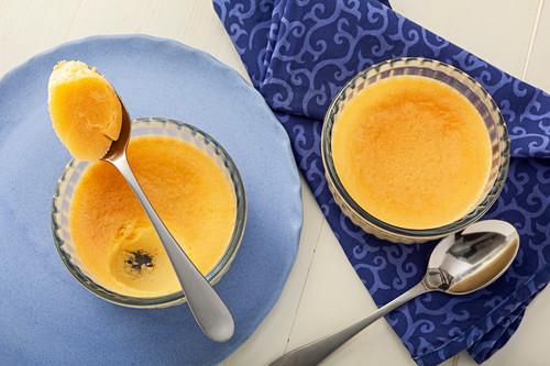 Vanilla pudding (pot de creme)