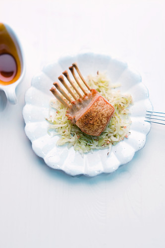 Crispy suckling pig with spicy cabbage salad