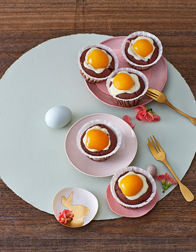 'Fried egg' chocolate muffins