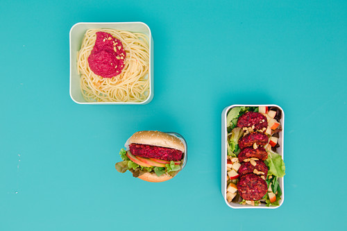 Three different types of beetroot dishes – with pasta, with pesto and as a patty