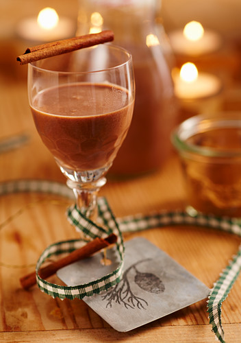 Christmas gingerbread liqueur with vodka, spices, Nutella and cream