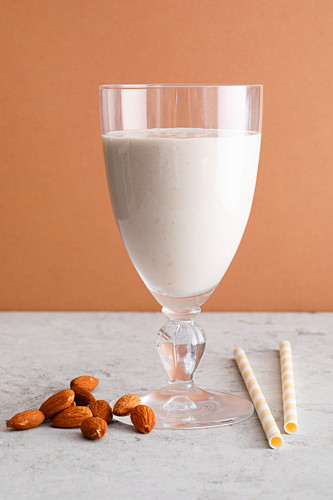 Banana and almond dream with yoghurt and coconut milk