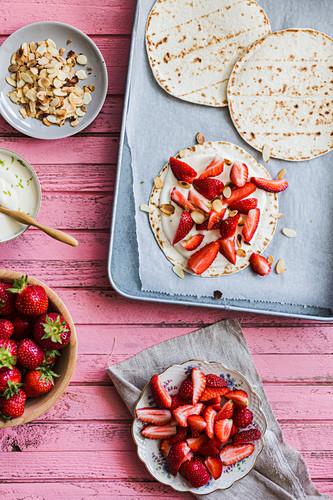 Strawberry flatbread with almond flakes