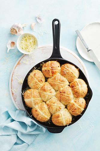 Cheesy garlic hot cross buns