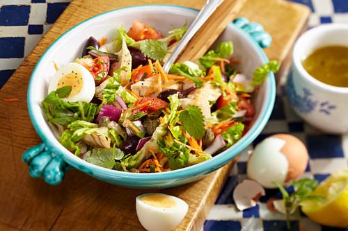 Ensalada de Tonyina (tuna salad, Mallorca) with boiled eggs