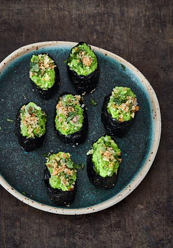 Gunkan sushi with pea mousse