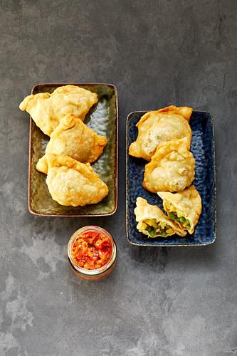 Potato and pea samosas
