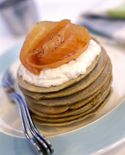 Wheat blinis with smoked salmon and cream cheese