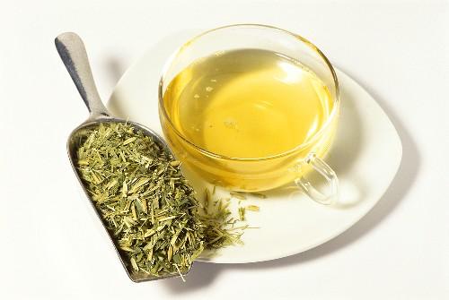 Oat straw tea and dried herb (Avena sativa)