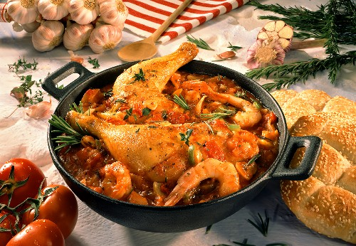 Gumbo with shrimps and turkey thighs (Cajun stew)