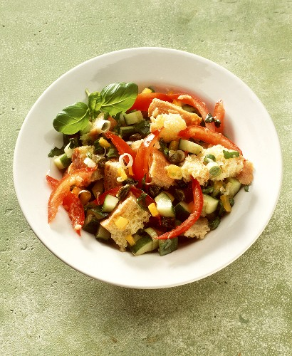 Panzanella (bread salad with tomatoes, Italy)