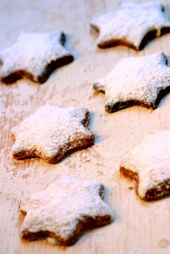 Butter biscuit stars dusted with icing sugar