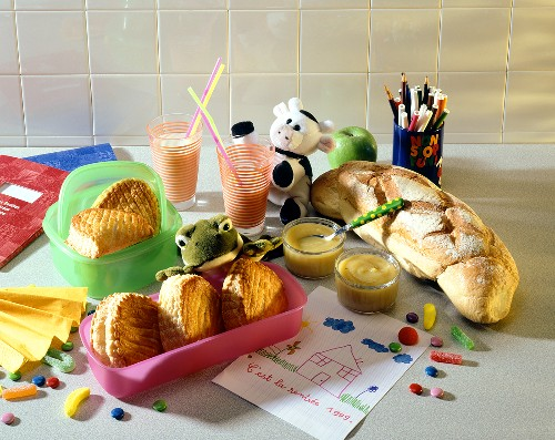 'Gouter' small afternoon snack for children (France)