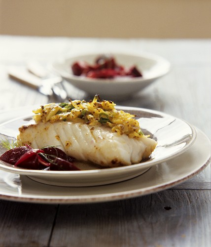 Fish fillet with potato and mustard crust and beetroot