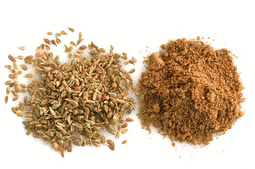 Aniseed and ground aniseed