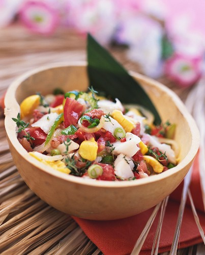 Fruity vegetable salad with fish and mango (Caribbean)
