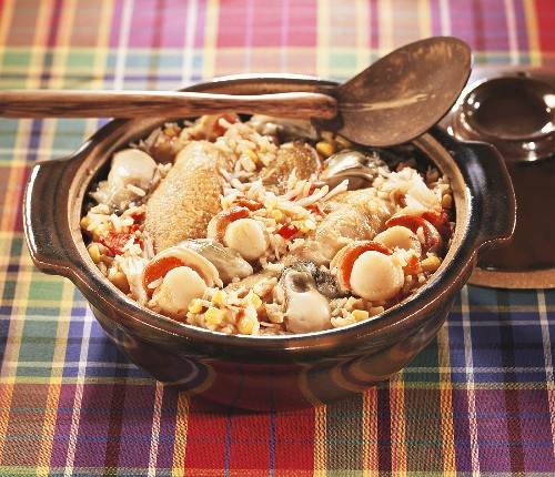 Jambalaya with chicken, scallops and oysters