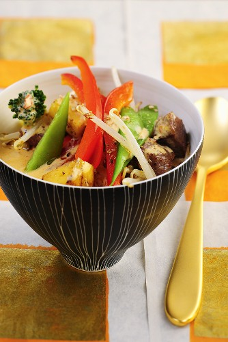 Thai beef and vegetable curry with pineapple