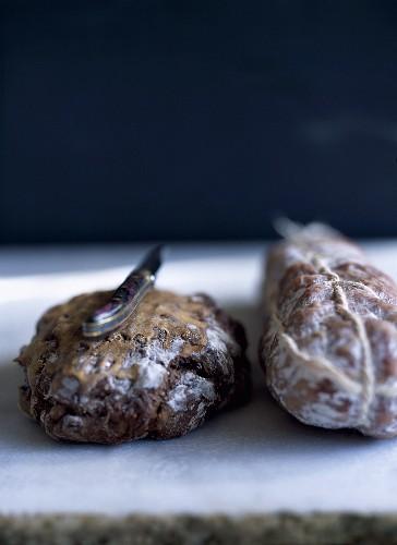 Nut bread, hard sausage and a pocket knife