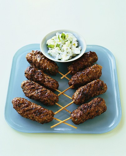 Minced lamb rolls with tzatziki
