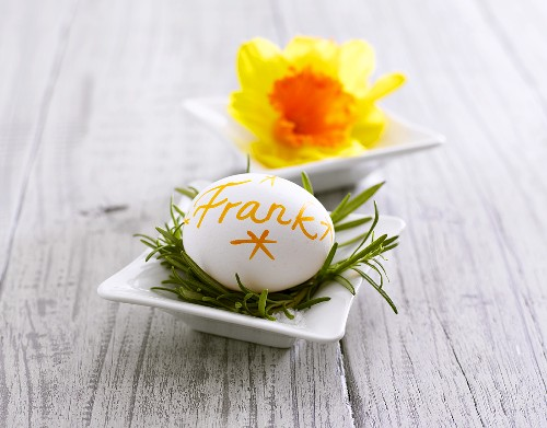 Boiled egg used as place card