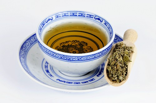 Tea made with dried Chinese mugwort