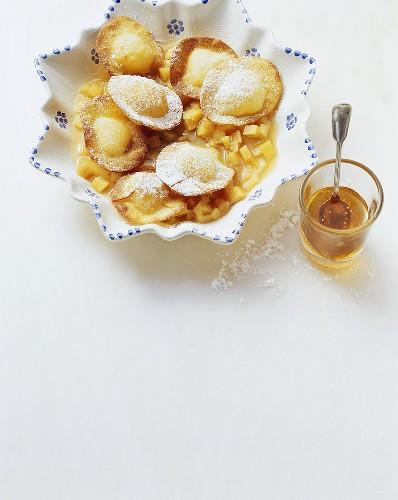 Seadas (pecorino ravioli in honey sauce), Sardinia, Italy