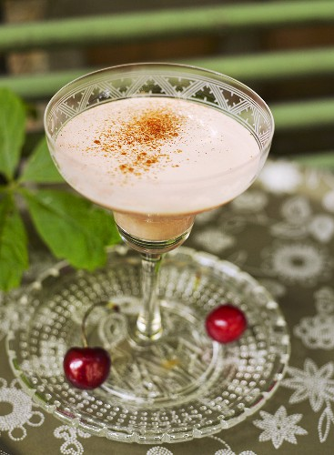Silk Stockings (tequila, creme de cacao, cream and cinnamon)