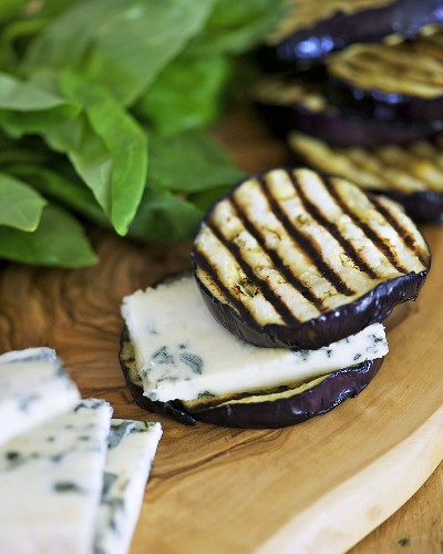 Grilled aubergine slices with Dolcelatte cheese