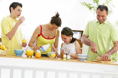 Family making a healthy breakfast
