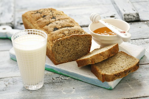 Home-made wholemeal bread with honey and milk