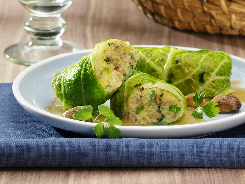 Stuffed savoy cabbage leaves with vegetarian stuffing
