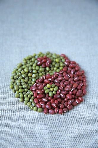 Azuki beans and mung beans forming Yin Yang symbol