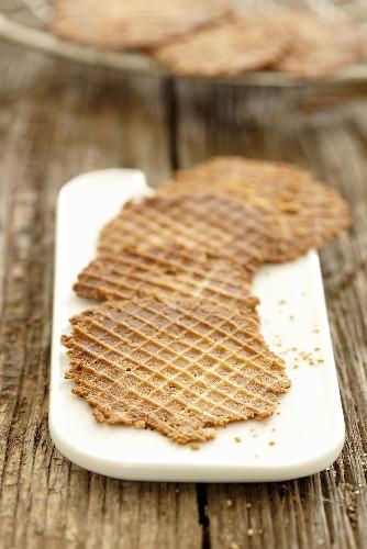 Cinnamon wafers