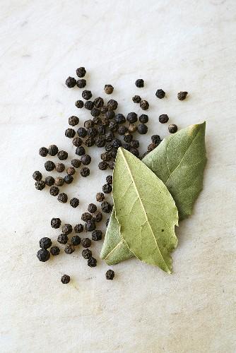 A bayleaf and juniper berries