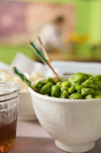Fave e pecorino (broad beans with pecorino, Italy)