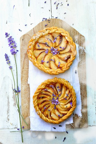 Apple pies with lavender