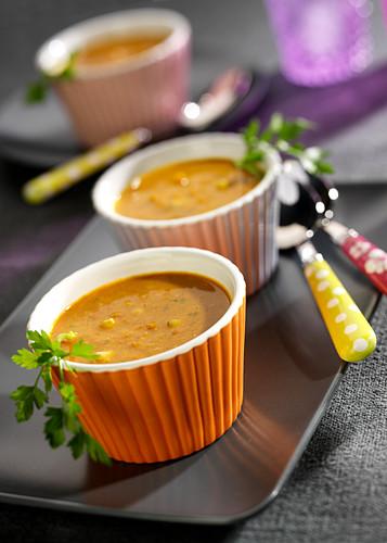 Kichererbsensuppe mit Tomaten und Curry