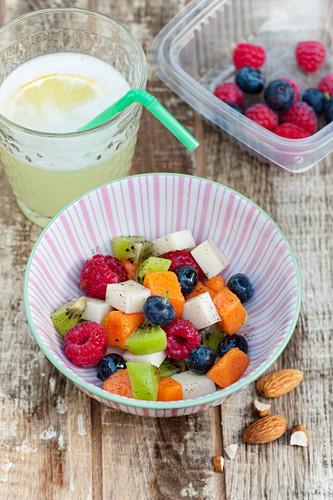 Fruchtsalat mit Kokosgelee