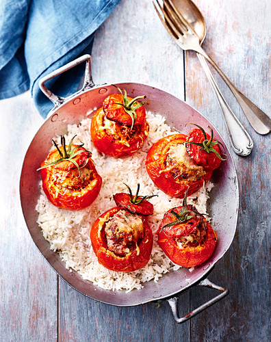Express stuffed tomatoes with white rice
