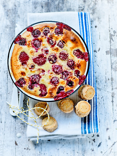 Summer fruit flan and Diamants biscuits