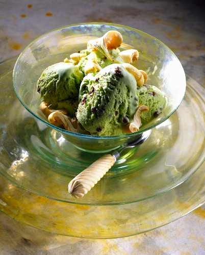 Aniseed-flavored Clitocybe ice cream