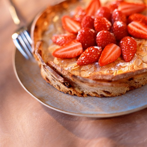 Almond tart with strawberries