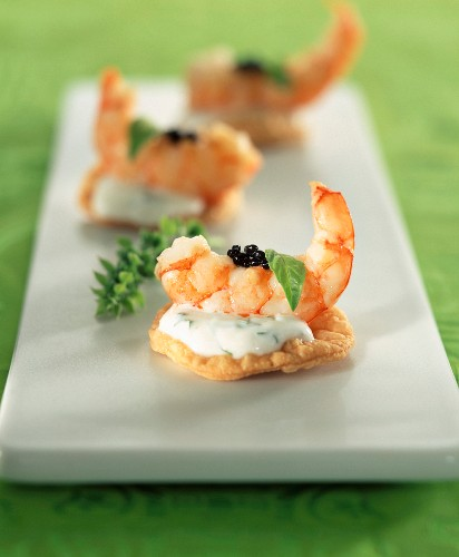Shrimp,yoghurt and caviar bite-size appetizers