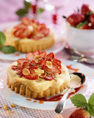 Almond cake topped with strawberry carpaccio