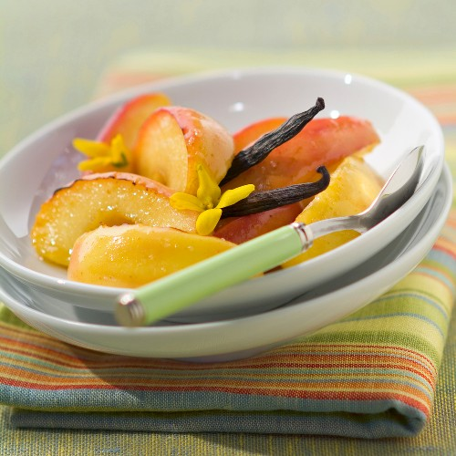 Flambeed apples with butter