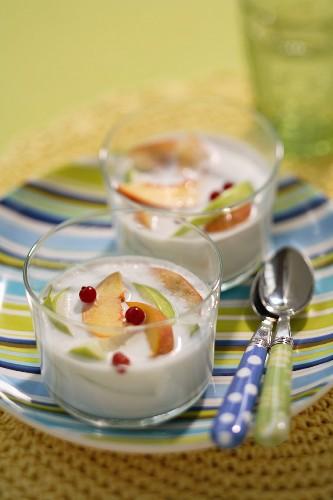 Fromage blanc, nectarine and apple verrine